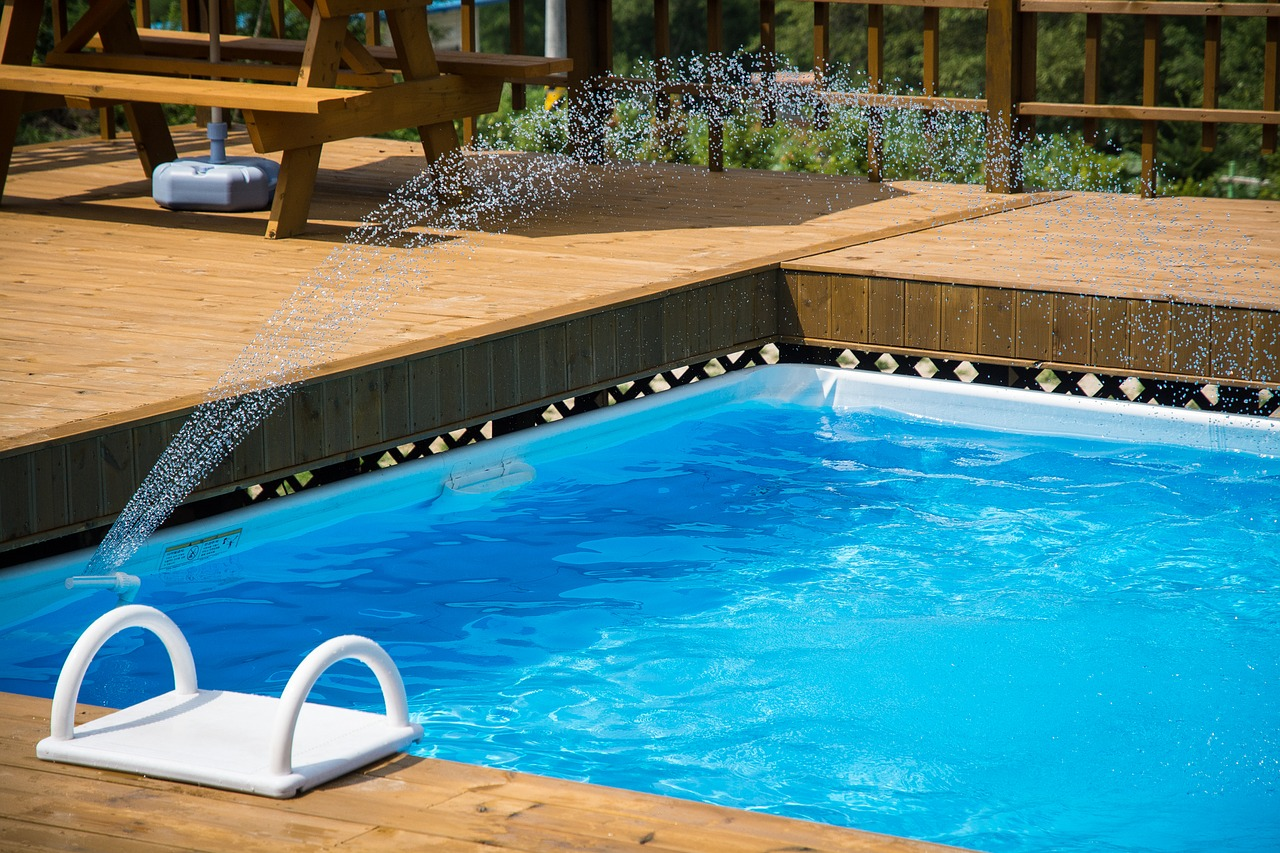 Pros and Cons of Salt Water Pools