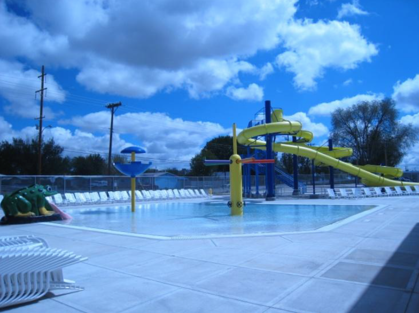 bloomfield pool